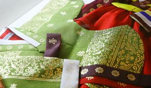 伝統衣服1