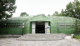 穴蔵跡展示館