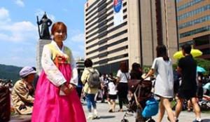クァンファムン(光化門)広場の観光案内員