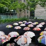 ソウル市庁の傘のオブジェ