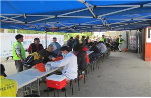 ホームレスや社会的弱者層対象の無料インフルエンザ予防接種及び結核検診を実施