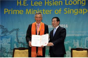 パク・ウォンスン市長 シンガポール首相と面会、ソウル市名誉市民証授与