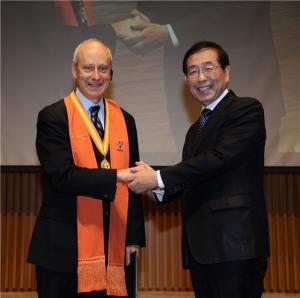 マイケル・サンデル教授 パク・ウォンスン(朴元淳)市長と「正義(Justice)」を語り合う