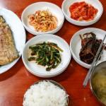 ソウル・東大門の焼き魚通りにある食堂ホナムチッで焼き魚定食を食べてきました