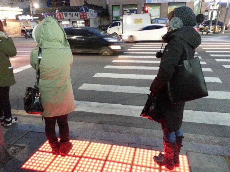 ソウルの横断歩道で(*´∀`*)