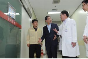 パク・ウォンスン(朴元淳)市長 医療機関を視察