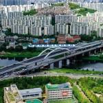 往復6車線のウンボン(鷹峰)橋 10月中旬全面開通