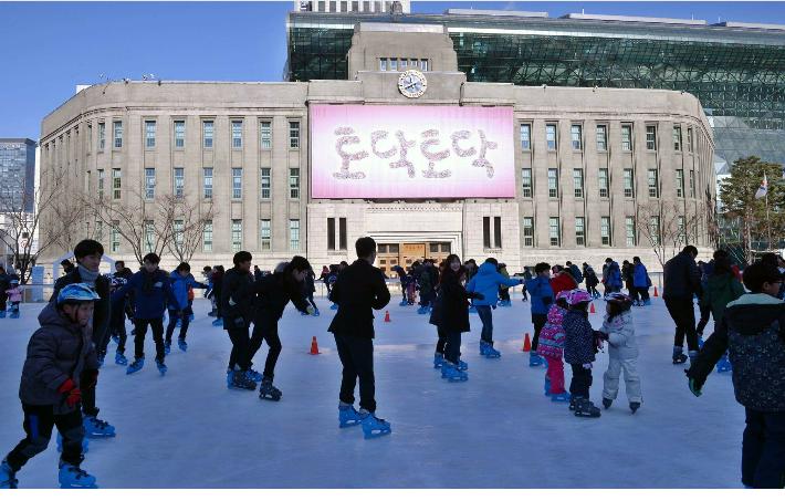 서울광장 스케이트장 오늘개장 ソウル市庁広場スケート場