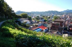 伝統と現代が共存する異色の町、ソウルハニャン(漢陽)都城城郭村