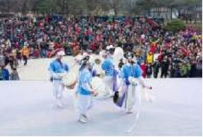 ナムサン・ハノクマウル(南山韓屋村) で小正月イベント開催