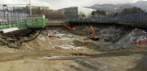 ソウル大学正門前