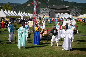 チョンノ(鍾路)韓服祭り