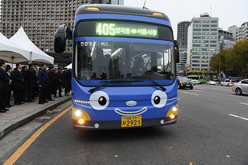 ソウル市、年末を迎えて市内バス88路線の終発時間を延長