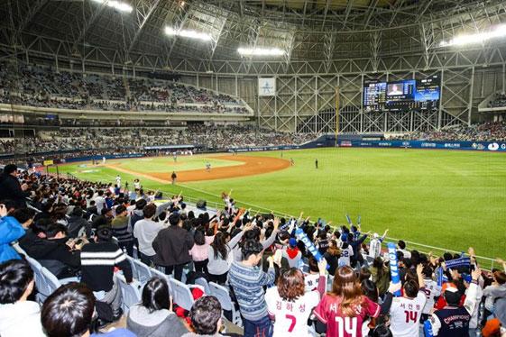 開場3周年迎えた「高尺スカイドーム」累積観客332万人突破