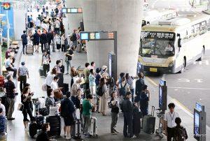 ソウル市、空港バス23路線の交通カード料金を1,000ウォン値下げ