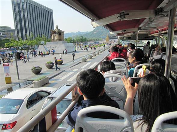 ソウル市、ソウルシティツアーバスに乗ったまま公演観覧