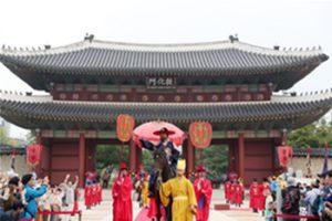 韓国最大の王室パレード「チョンジョ(正祖)大王王陵行次」再現行事