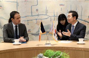 ソウル市長、フランスのデジタル経済大臣と面談