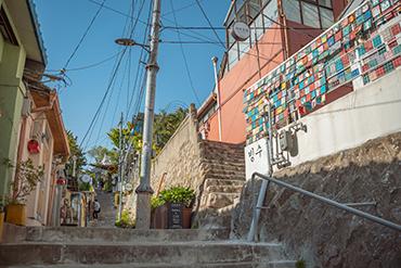 イファドン(梨花洞)壁画の村
