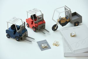 セウン(世運)商店街の印刷職人×青年デザイナーの5作品を市民投資で発売