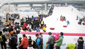 トゥクソム・汝矣島漢江公園の雪そりゲレンデオープン