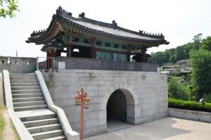 02_hyewhamun_gate_thum